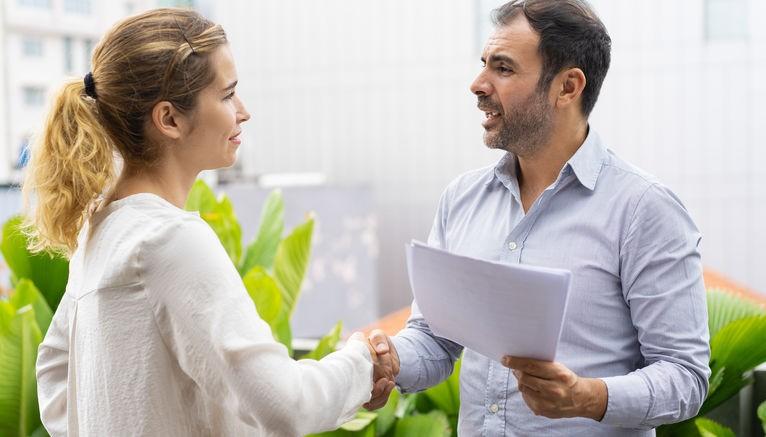 איך תתחזקו מערכות יחסים עם התורמ/ת או נציג/ת קרן?